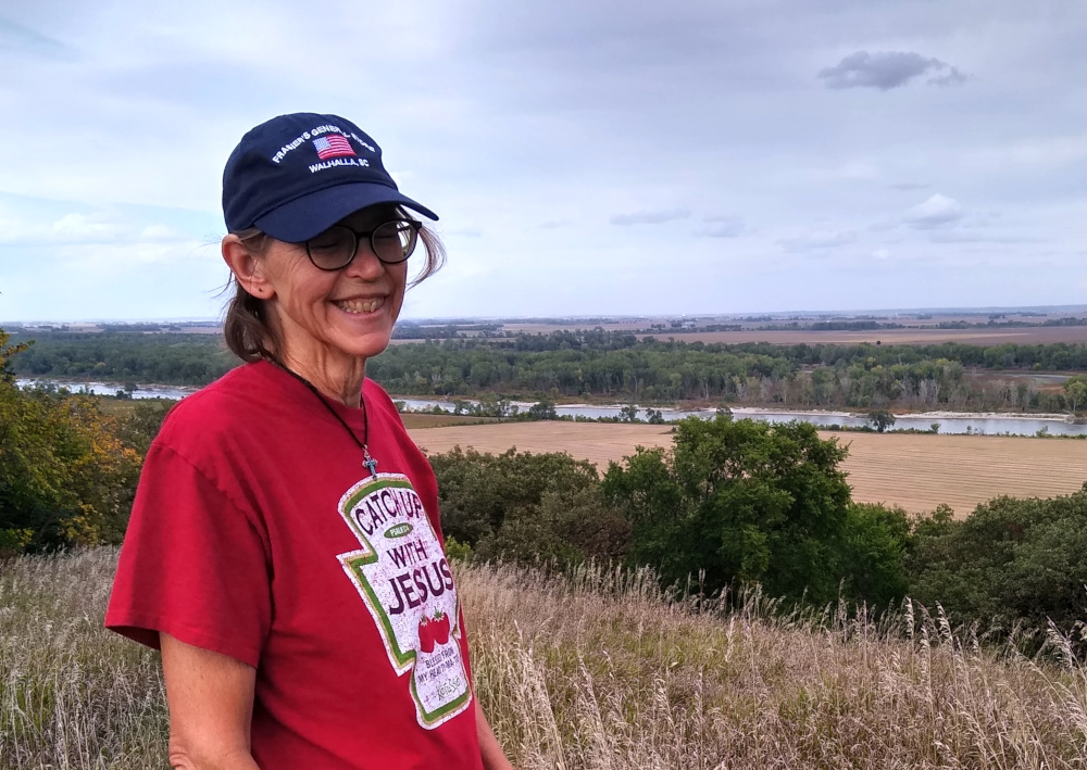 Sue at Missouri river overlook on Omaha reservation