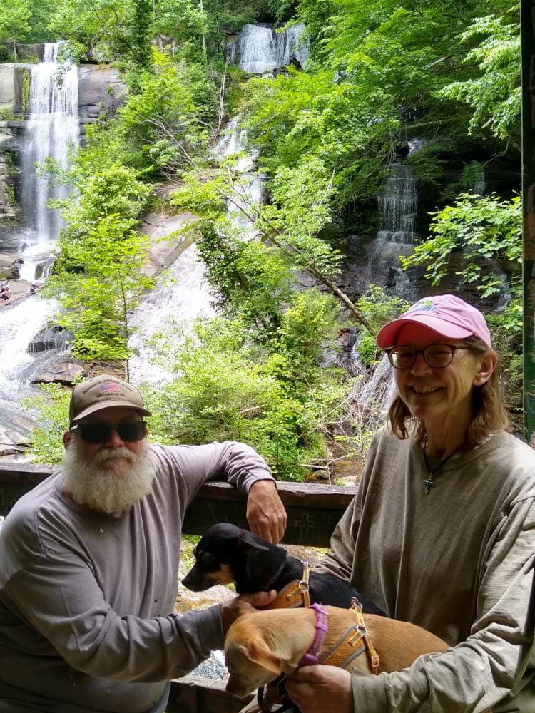 Brian, Sue, and doggies at Twin Falls